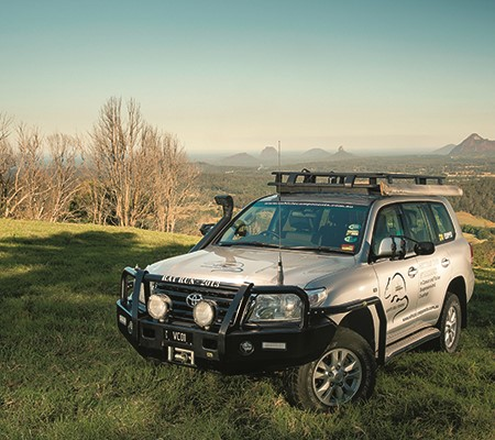 The tow vehicle chosen to carry out this task is a current model Toyota LandCruiser 200 Series