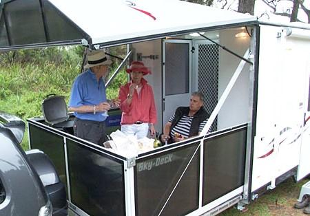 Video review: Sky-Deck fold-out caravan veranda