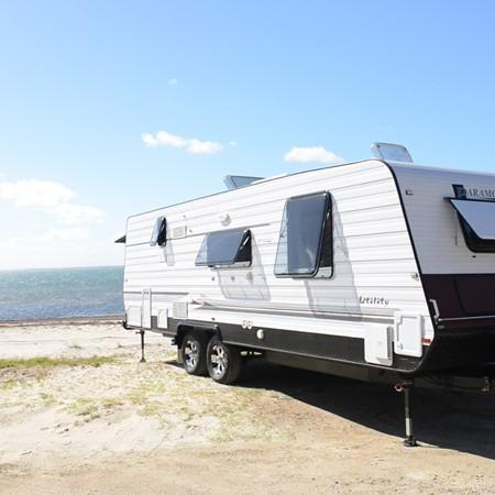 Paramount Utility: Caravan Video Review