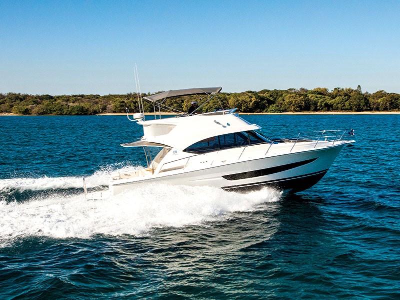 Spotlight: Riviera 39 Sports Motor Yacht