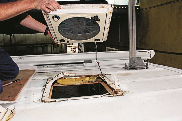 How to replace a roof hatch