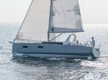 BENETEAU PREMIERES NEW OCEANIS 38 AT CANNES BOAT SHOW