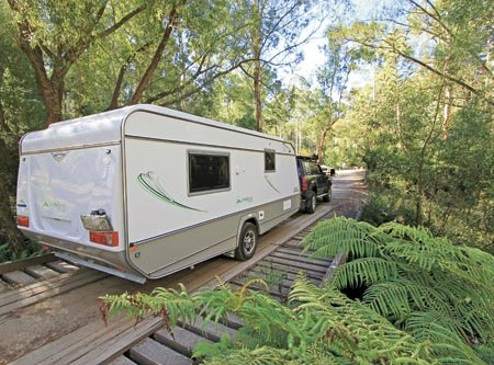 The Jurgens Jindabyne PT2230 Deluxe is a pop-top caravan aimed at the entry-level end of the market.
