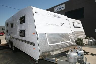 Retreat donates RV to fire relief