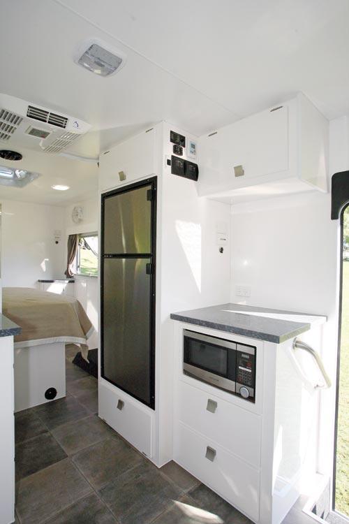 Spinifex-EpiX-caravan-06.jpg