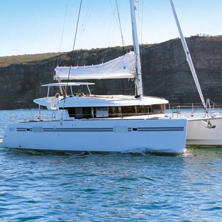 Lagoon 450 S sailing catamaran