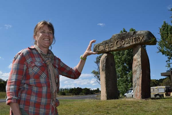 Kath Heiman discovers Australia's hidden Scottish connections, as she finds new ways to call Austral