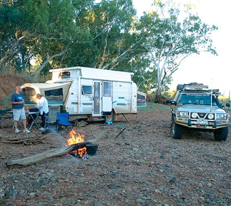 People at the campsite next to the Expanda caravan