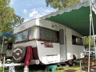 1968 Roadmaster Luxury Liner Caravan