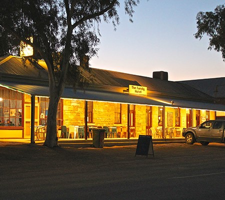 The best 6 outback pubs in NSW