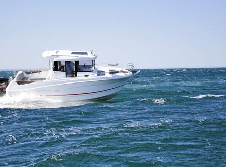 The Beneteau Barracuda 7 combines modern European styling with a traditional trawler influence.