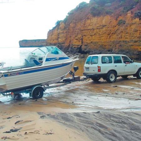 Beach launching a trailerboat