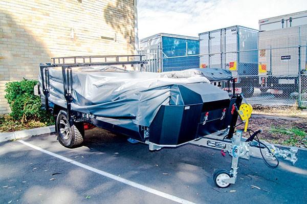 Second-hand camper trailer