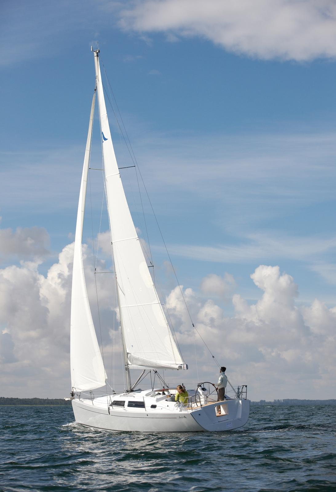 hanse-355-sailing-portrait.jpg