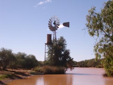Kirkalocka water hole