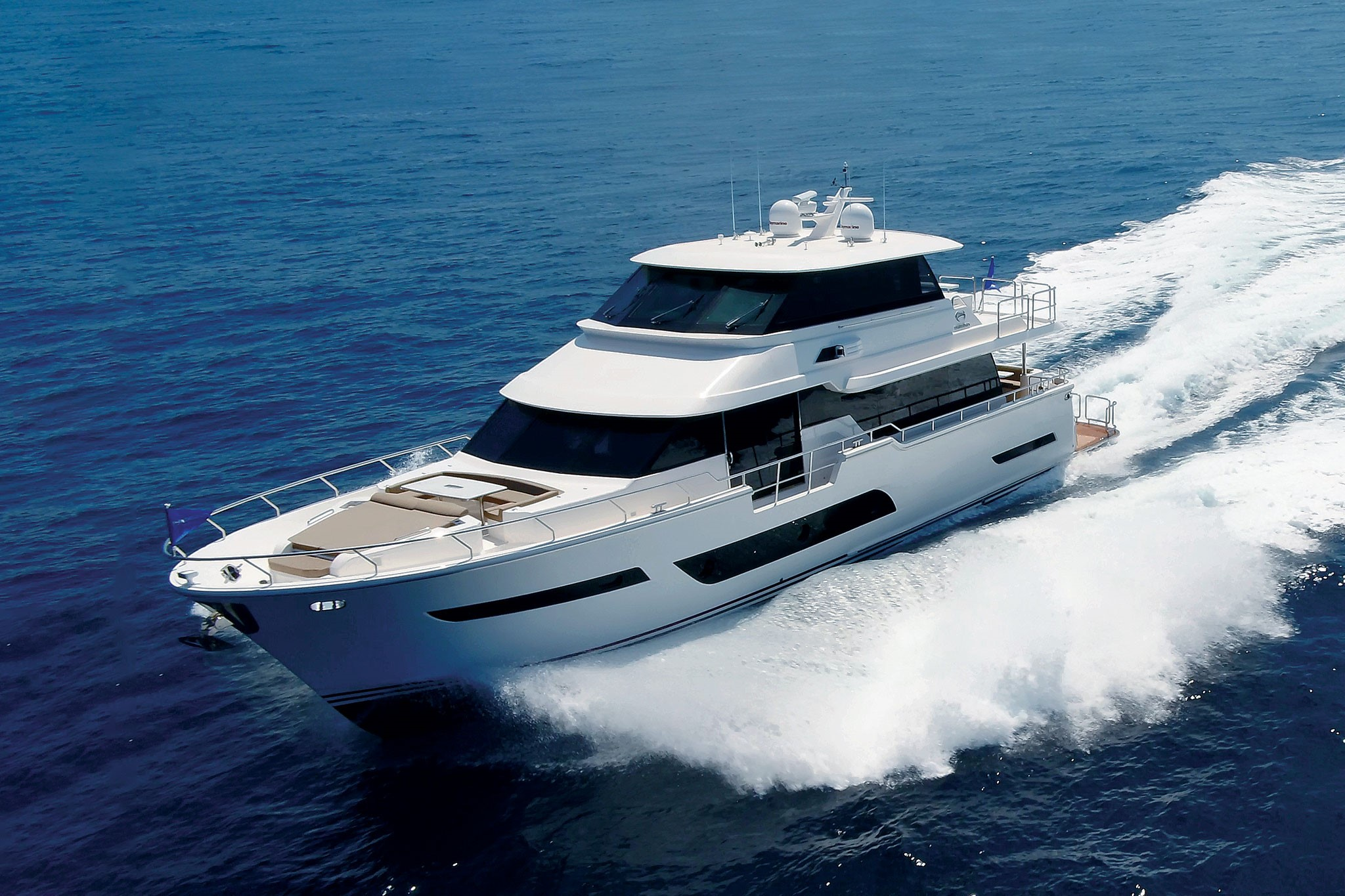 Review: Horizon V81 Motoryacht