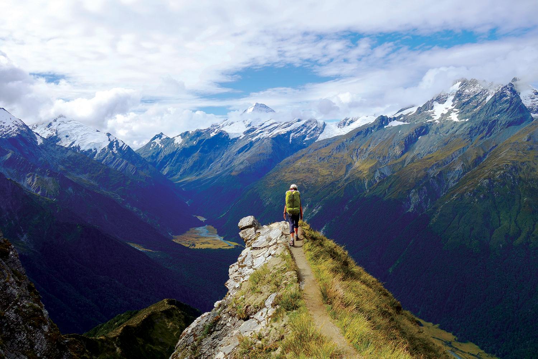 Hiking in Te Aroroa