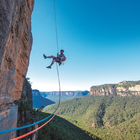 Jeff Moore, Bunny Bucket Buttress (eight pitches, 18), Grose Valley, Blue Mountains